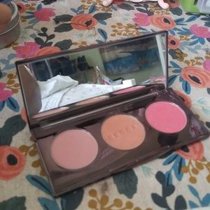 Becca Blushed with Light Blush palette